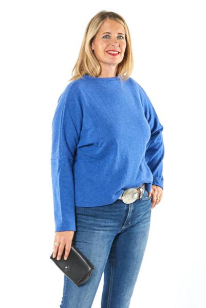 Pullover aus mittel-blauer Merinowolle